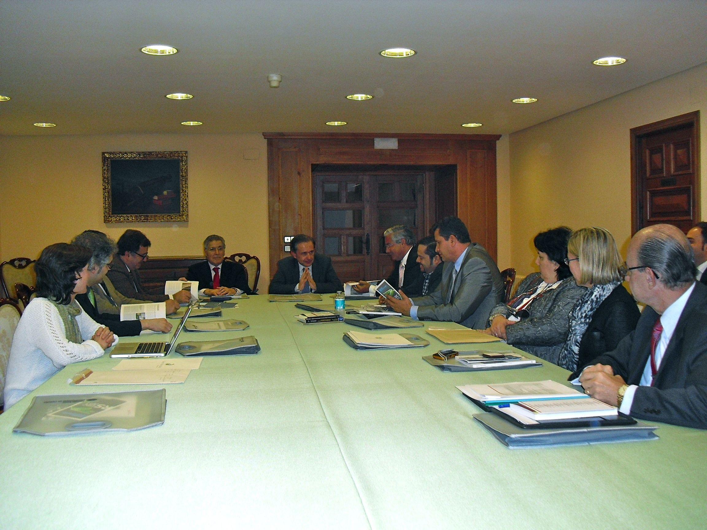 Reunión Constitutiva de la Comisión Académica del Programa de Doctorado, abril de 2013.